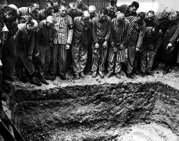 Instruktøren André Singer vil med dokumentaren 'Night Will Fall' fortælle historien om de overlevende fra de tyske kz-lejre og deres befriere, men også om en række britiske filmfolk, der i foråret 1945 gik ind i lejrene sammen med soldaterne for at dokumentere nazisternes uhyrligheder til filmen 'German Concentrations Camps Factual Survey'. En film, som Alfred Hitchcock var instruktør på, men som ikke blev færdiggjort