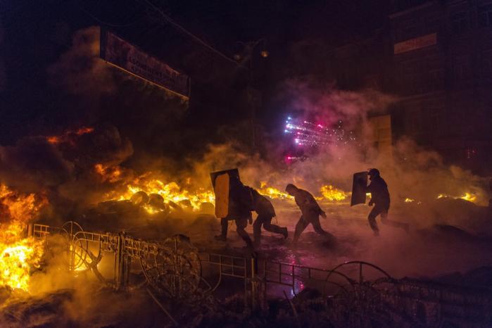 Værdikamp. Sidste års protester i Kijev handlede først og fremmest om værdier, ikke om identitet. Eller mere præcist. De handlede kun om identiteter, i den udstrækning at disse er værdibaserede.