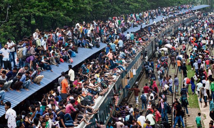 Jordens befolkning rundede ca. år 1800 den første milliard. Siden 1960 kommet én ekstra milliard til hvert 12.-13. år. Den ottende milliard ventes nået om mindre end 10 år fra nu