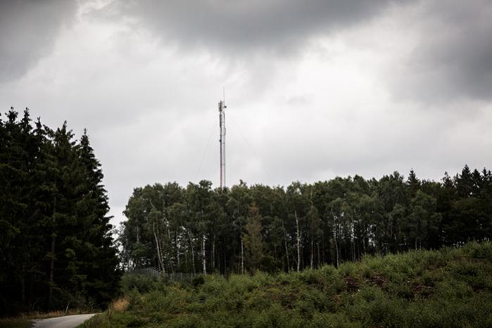 Mere end ni ud af 10 advokater, ved ikke, at en mobiltelefon kan forbinde til en mast mere end 20 kilometer væk