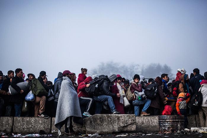 Nedskæringerne i FN's humanitære bistand til de omkring 12 millioner syriske flygtninge kulminerede i sensommeren og efteråret – netop på det tidspunkt, hvor flygtningestrømmen mod Europa tog til i et omfang, som ikke er set siden Anden Verdenskrig.