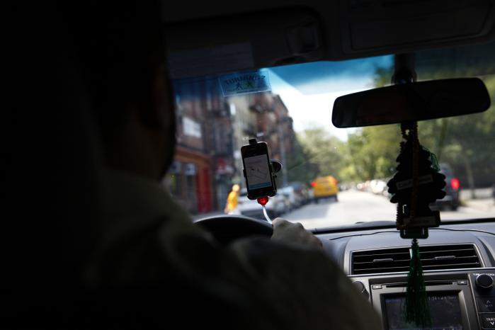 Uber vandt armlægningen med New Yorks borgmester, Bill de Blasio, der forsøgte at begrænse antallet af hyrevogne, Uber måtte have kørende i byen.