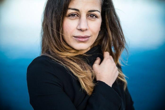 Det er en bittersød fornemmelse for Haifaa Awad at opleve, hvordan hun og andre nydanske debattører ofte bliver castet til at spille en særlig rolle i medierne.