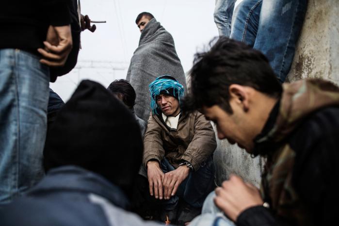 De flygtendes ret til at søge asyl i det land, hvor de befinder sig, må bevares. Samtidig er der brug for, at vi udbygger det fælles ansvar og fordelingen af dem, der har brug for beskyttelse, mener flere partier på den nordiske venstrefløj.