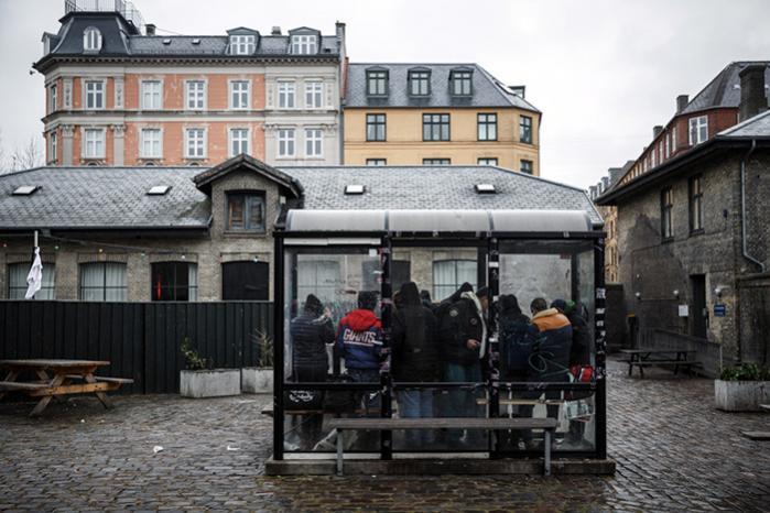 Det var her ved Halmtorvet i København, at en midaldrende mand i oktober sidste år blev taget af politiet med 0,3 gram heroin på sig. Manden fik i første omgang en bøde, selv om politiet burde have givet ham en advarsel, da han har været stofafhængig i årevis