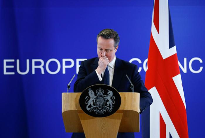 Hvis de britiske vælgere ved en folkeafstemning stemmer ja til aftalen, bliver der blandt andet indført en række begrænsninger på andre EU-borgeres adgang til britiske velfærdsydelser, ligesom det bliver gjort klart, at Storbritannien ikke er forpligtet af EU-målsætningen om løbende at udvide EU-samarbejdet