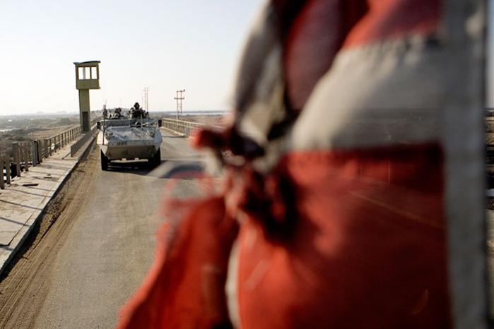 Efter offentliggørelsen af en foruroligende rapport fra Human Rights Watchs i foråret 2005 bad Forsvarsministeriet den danske styrkechef i Irak vurdere, hvorvidt der var tale om »enkeltstående« tilfælde af mishandling eller »et mere systematisk problem«. Svaret fra den danske bataljon i Basra-provinsen var klart.