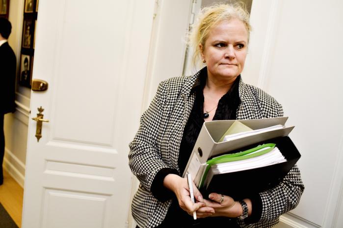 Liselott Blixt har i kraft af sin post som formand for sundhedsudvalget arbejdet for at få belyst, hvorvidt en række alvorlige symptomer, en stor gruppe piger oplevede, havde sammenhæng med HPV-vaccinen.