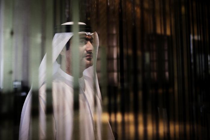 Ahmed Mansoor er en af de menneskerettighedsaktivister, der er blevet overvåget af styret i De Forenede Arabiske Emirater – og fængslet for at udtale kritik. Nu kan Information afsløre, at et nordjysk firma har fået tilladelse af de danske myndigheder til at eksportere internetovervågning til diktaturstaten.