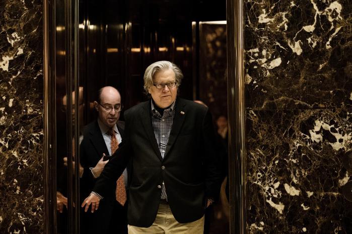 Steve Bannon var ikke så synlig i Trumps præsidentkampagne, men som leder af Breitbar News er hans holdninger velkendte nok, og de kan komme til at præge den amerikanske offentlighed markant. Foto: Drew Angerer/Getty Images
