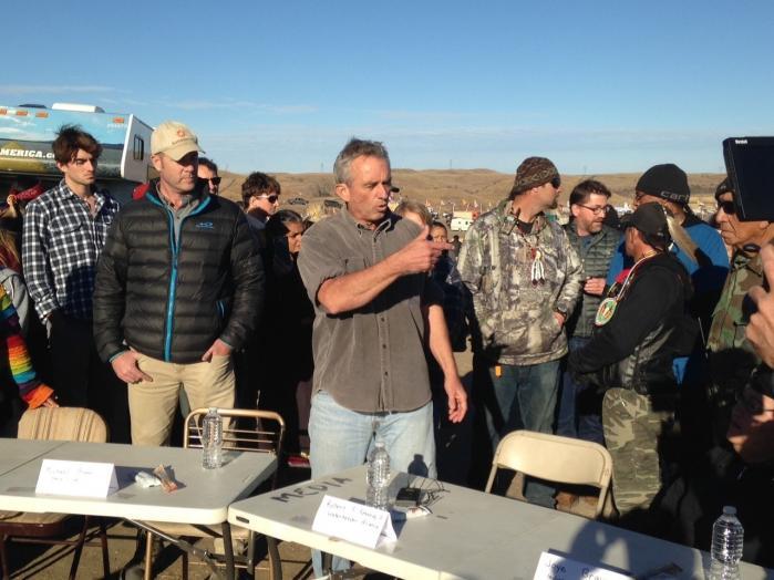 Tidligere i november var der protester mod en olieledning i Cannon Ball, North Dakota. Klimaveteran mener, at det kun er et spørgsmål om tid, før protester som disse vil sprede sig.
