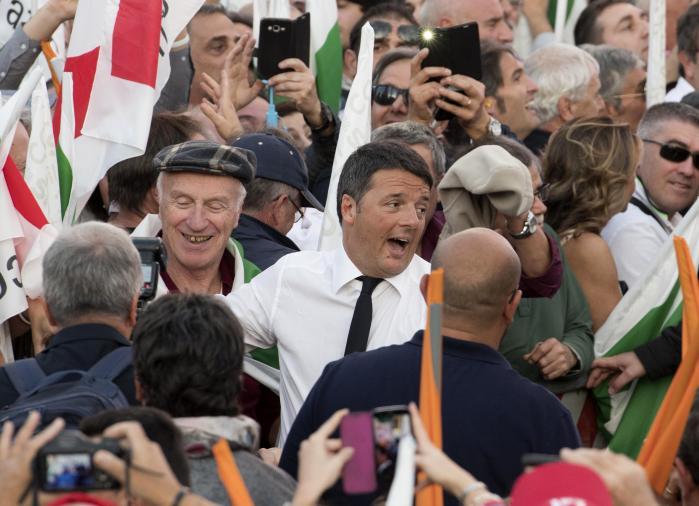 På søndag bliver det afgjort, om det er lykkedes Matteo Renzi at overbevise italienerne om, at hans forfatningsændring skal vedtages.