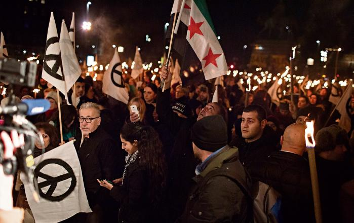 Tusindvis viste deres afmagt og frustration efter eskalering af kampene i Aleppo ved at gå på gaden i København og en række andre byer verden over.