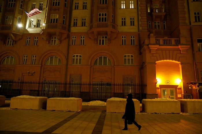Ruslands udenrigsministerium har varslet, at 31 diplomater fra USA's ambassade i Moskva (billedet) skal udvises sammen med fire diplomater fra USA's repræsentation i Skt. Petersborg