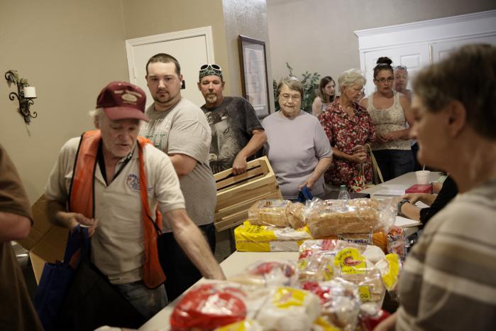 I kirken 'The Place of Refuge' i Crossville, Tennessee bliver der hver torsdag delt mad ud til de fattige indbyggere i byen.