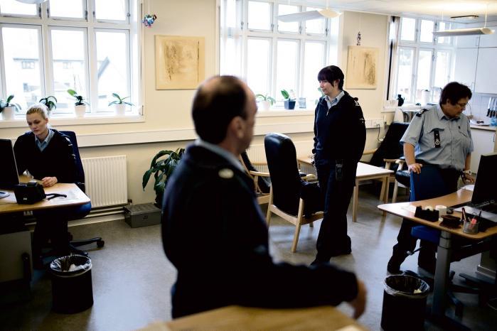 Fængselsbetjentenes fagforbund har i årevis efterspurgt, at peberspray blev en del af deres faste udstyr. Nu foreslår justitsminister Søren Pape Poulsen netop det som en reaktion på de senere års markante stigning i antallet af voldsepisoder i danske fængsler.
