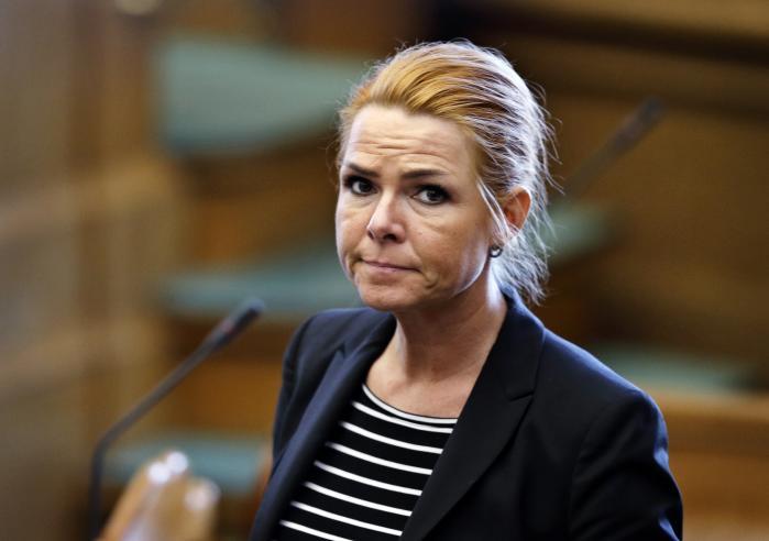 'Inger Støjberg stopper indkvarteringen af barnebrude på asylcentre', lød det i en pressemeddelelser i 2016. Ministeriets praksis bliver kaldt 'stærkt kritisabel' af Ombudsmanden.