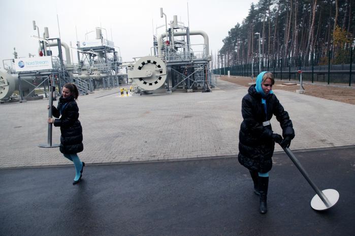 I 2009 godkendte Danmark uden tøven og som det første EU-land en anmodning om en russisk gasledning til Tyskland under navnet Nord Stream. Siden er forholdet til Rusland kun blevet værre med Ukraine- og Syrien-krigen, men nu vil russiske Gazprom vil føre en ny gasledning 140 km gennem dansk farvand nær Bornholm.