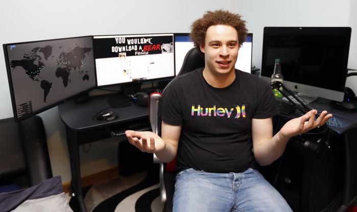 Det lykkedes for den 22-årige brite Marcus Hutchis at bremse angrebet fra ormen Wannacry ved at registrere et internetdomæne, der fungerer som en dødemandsknap for den.