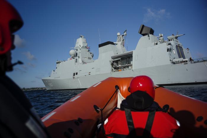 Fregatten Niels Juel er det ene af Danmarks i alt fem krigsskibe. Der har ikke været penge til at udstyre vores tre fregatter med missiler, som kan imødegå angreb fra f.eks. de mange kampfly og missiler, som Rusland har stationeret i Kaliningrad-enklaven. Luftforsvarsmissiler står derfor højt på både Søværnets og NATO's ønskeseddel ved det kommende forsvarsforlig.