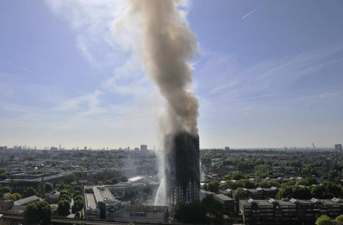 Tårne har altid været stærke symboler. Onsdag blev boligblokken Grenfell Tower i det vestlige London til et lysende symbol på, at Storbritannien er et samfund med en enorm ulighed.