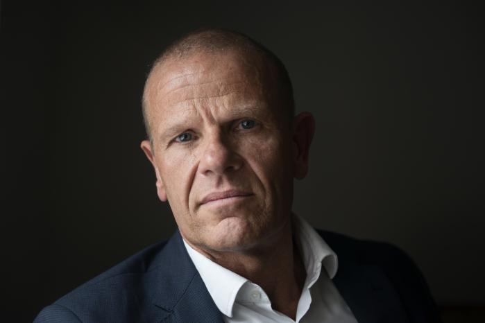 Vi kommer nok aldrig til at matche lønnen i dele af det private erhvervsliv, erkender FE-chef Lars Findsen, der er på jagt efter it-specialister til sin tjeneste.