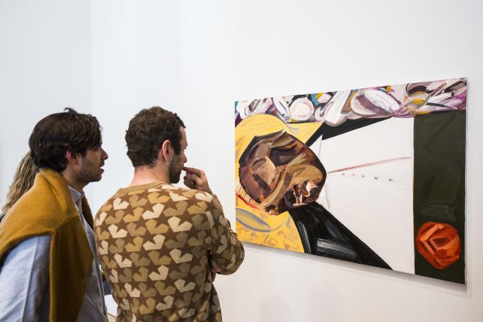 Adskillige aktivister tog afstand fra, at Dana Schutz som hvid kunstner lavede kunst om sort smerte og i foråret fremviste den på Whitney Biennial på The Whitney Museum of American Art i New York. Schutz blev opfordret til at destruere værket, som hedder 'Open Casket' og forestiller 15-årige Emmett Till – en sort dreng, der blev myrdet ved en racistisk lynchning i 1955.