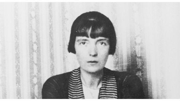 Katherine Mansfield kom fra New Zealand og var en rastløs sjæl, der havde svært ved at blive på et sted eller holde andre ud ret længe ad gangen.