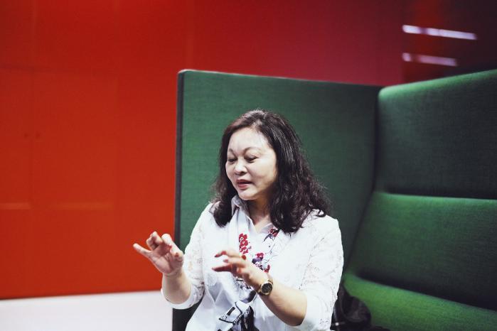 Den kinesiske bestsellerforfatter Yang Hongying er stor modstander af det pres, børn oplever i skolen. Gennem bøger vil hun tilbyde børnene et frirum.
