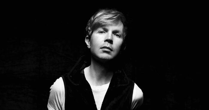 Becks nye album klinger pænt moderne i sit mix af old school keyboards og nutidige studiegreb.