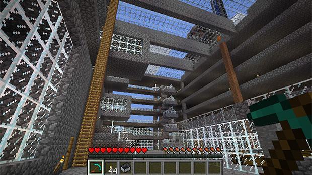 Computerspillet Minecraft er netop blevet solgt til Microsoft. Spillet unddrager sig klassiske computerspiltræk - der er ingen kampe at vinde, ingen gåder at løse og ingen liv at miste. I stedet kan man bygge sin helt egen verden.