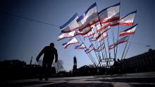 Ved at bruge hård magt har Ruslands præsident, Vladimir Putin, igen sat sig for bordenden i det storpolitiske spil om Ukraine. Spørgsmålet er hvor langt Rusland vil gå