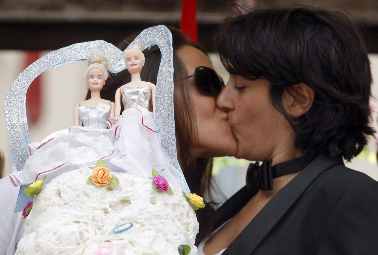 lesbiske kysse fotos