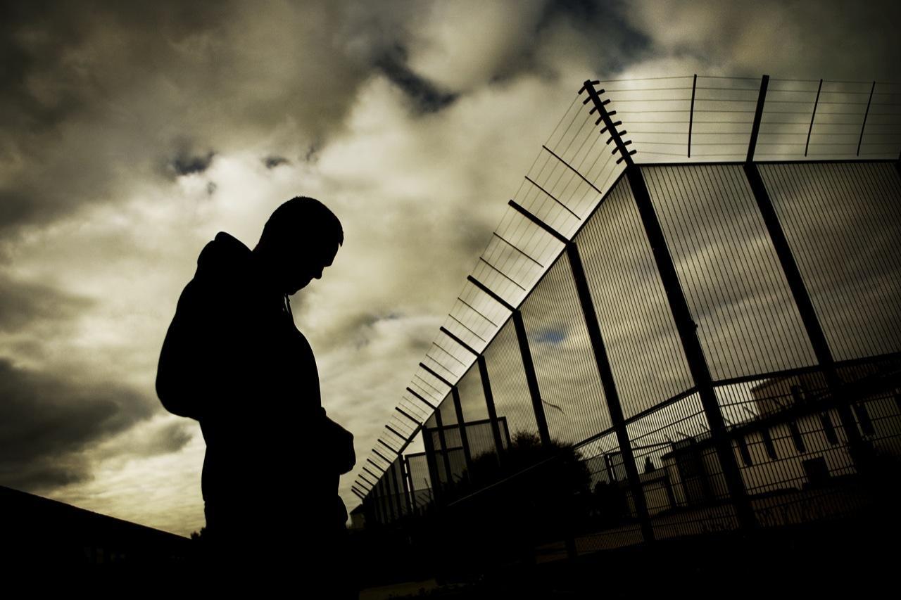 Nye tal: 14-årige sidder i fængsel med voksne