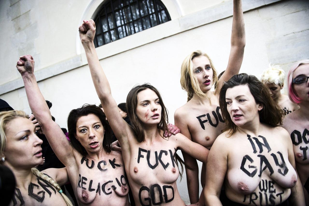 Sort lesbisk dominerer hvid pige