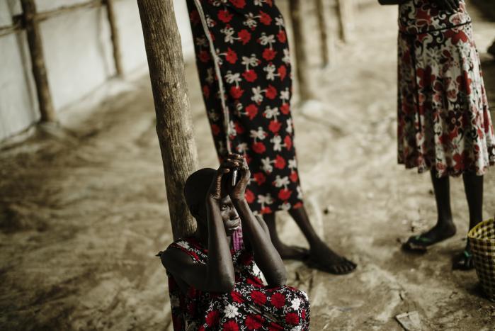 I transitlejren Dzaipi tæt ved Adjumani i Uganda ankommer stadig flere flygtninge fra Sydsudan, hvor et regeringsopgør har udviklet sig til etniske kampe og massemord. Informations fotograf har besøgt lejren
