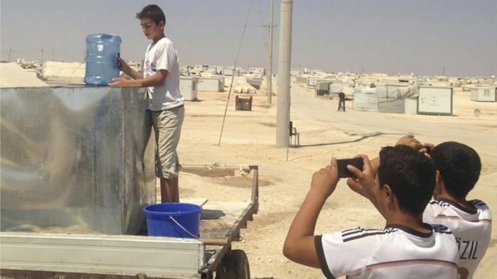 Hvad sker der hvis man giver flygtningelejrens børn en iPhone og beder dem om at fotografere deres liv?
