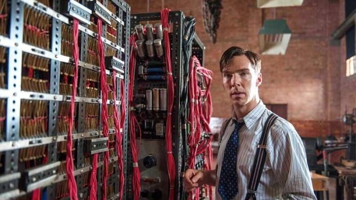 I filmenThe Imitation Game, der har premiere i januar, spiller den britiske skuespiller Benedict Cumberbatch rollen som Alan Turing
