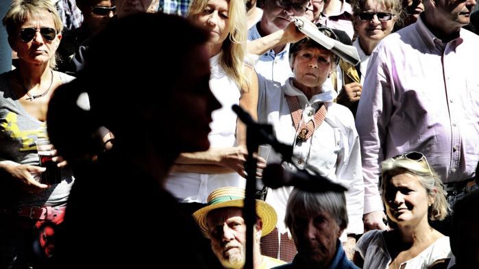 Folkemødet på Bornholm er et udtryk for den tradition, at et demokrati bæres oppe af folkets – af almindelige menneskers – deltagelse.