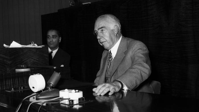 Advarslen. Niels Bohrs brev til FN i 1950 danner forbillede for konferencens åbne brev til verden: En påmindelse om, at en ny verdens nye udfordringer kræver åbenhed og tillid.