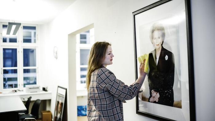 To timer om ugen gør Asta Kinch rent på KU's hovedkontor på Frederikeberg. Hendes ambitioner er ikke blevet mindre af hendes oplevelser på det konservative konsulentkursus
