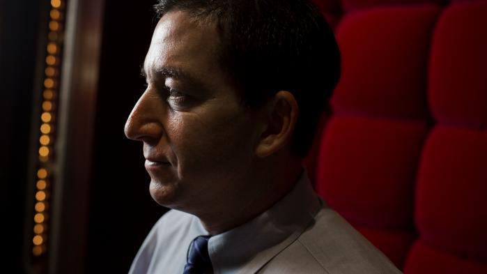 'Det er skændigt, at befolkningen og politikerne i et land som Danmark, der har draget nytte af afsløringerne af NSA, er totalt uvillige til at yde et lille offer for at beskytte Snowden, når han har gjort så meget for at beskytte deres rettigheder,' siger Glenn Greenwald.