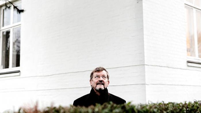 Fokus skal i fagbevægelsen flyttes fra medlemstal til overenskomstdækning, mener professor Ove Kaj Pedersen, som forudser store kulturkampe i fremtiden for fagbevægelsen. Fusioner er nødvendige, hvis arbejdstagerne vil have en chance mod arbejdsgiverne, mener han