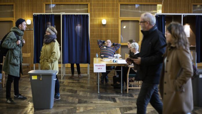 Valget på Aarhus Rådhus. EU-afstemningen i går afslører en dyb kløft mellem folket og den politiske elite.