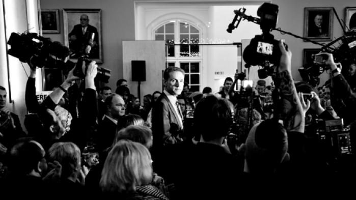 Afstemningen om retsforbeholdet viste store forskelle mellem folkets og elitens syn på EU. Mange vælgere stemte ikke det, deres parti anbefalede. I stedet synes økonomi og socialklasse at have været det afgørende skel. Mistilliden til politikerne var massiv, forklarer Mattias Tesfaye, der førte ja-kampagne på Vestegnen