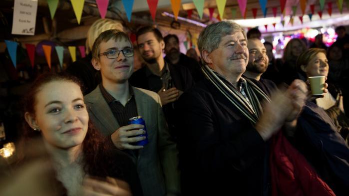 Enhedslisten fejrer resultatet af sidste uges nej til en afskaffelse af retsforbeholdet. Partiet bør arbejde for at skabe en fælles europæisk løsning på flygtningekrisen, mener Keld Albrechtsen.