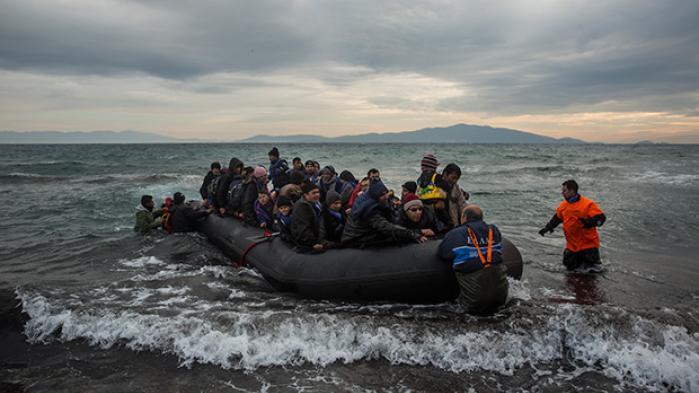 Flygtningekrisen kræver et forpligtende europæisk samarbejde, men frem for at gå ind og diskutere realistiske løsninger vil Enhedslisten hellere flage sin EU-modstand