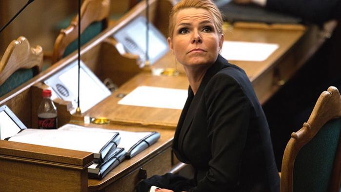 For fire måneder siden meddelte Inger Støjberg, at hun 'ret hurtigt' ville skrive til FN for at få ændret konventionen om statsløshed fra 1961. Jeg overvejer stadig, var det eneste, hun i går ville sige i Folketinget …