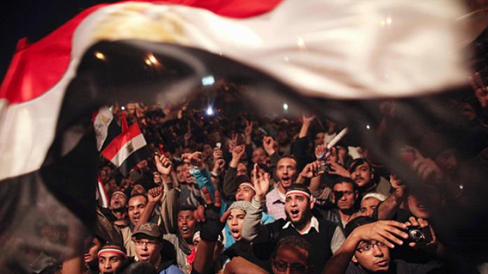 Alaa Abd el-Fattah blev et af Egyptens demokratiske opstands revolutionære ikoner. I dag gør han fra fængslet en trist status over, hvordan Det Arabiske Forår tændte store drømme og håb, men i dag har lidt et fuldstændigt nederlag i hans hjemland