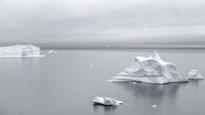 Klodens klima kan udvikle sig faretruende katastrofalt inden udgangen af dette århundrede, advarer forskere. Det vil bl.a. betyde, at isbjerge som disse fra Jakobshavn-gletscheren på Grønland kan forsvinde for evigt